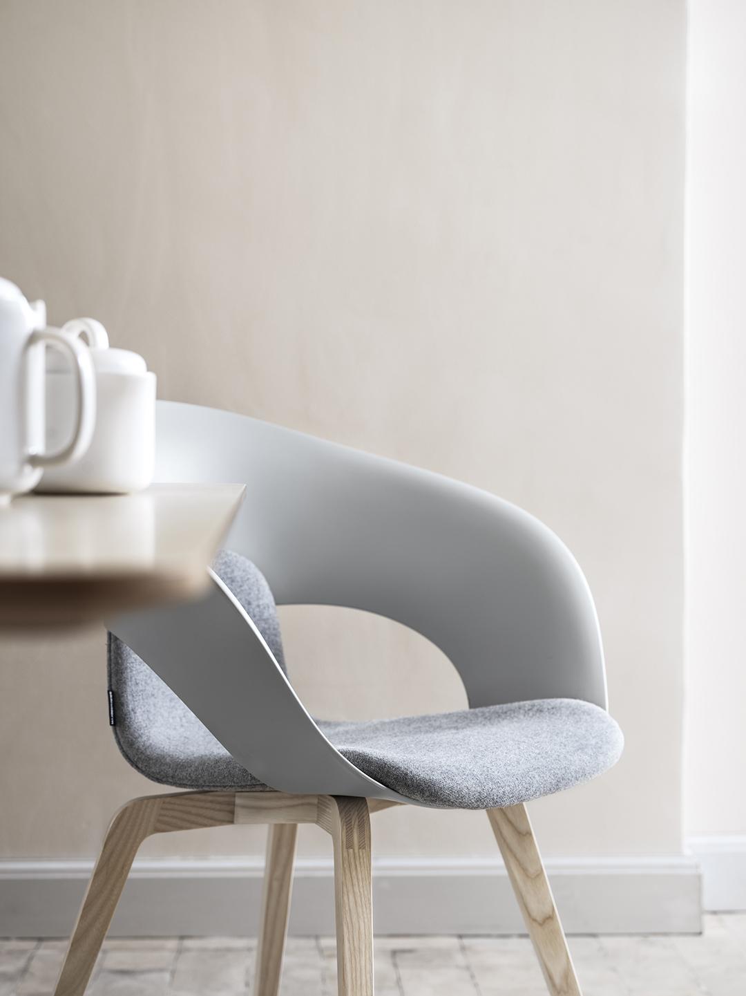 deli-stol